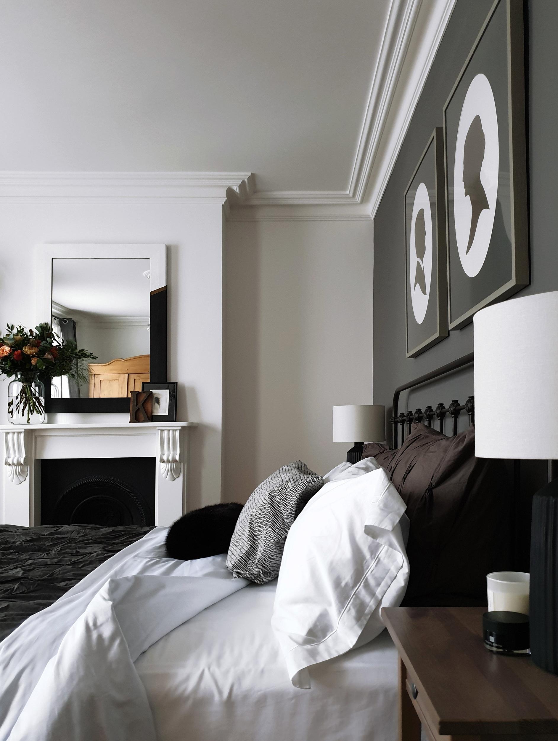 dark_grey_bedroom.jpg