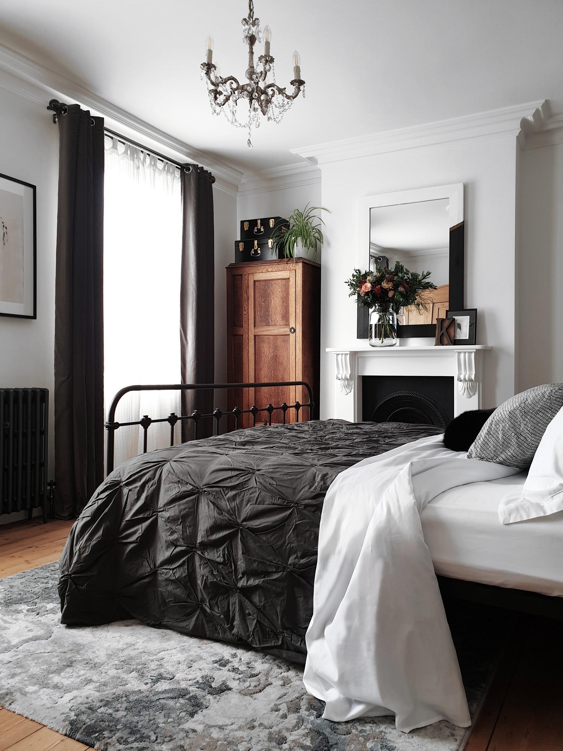 victorian_house_bedroom