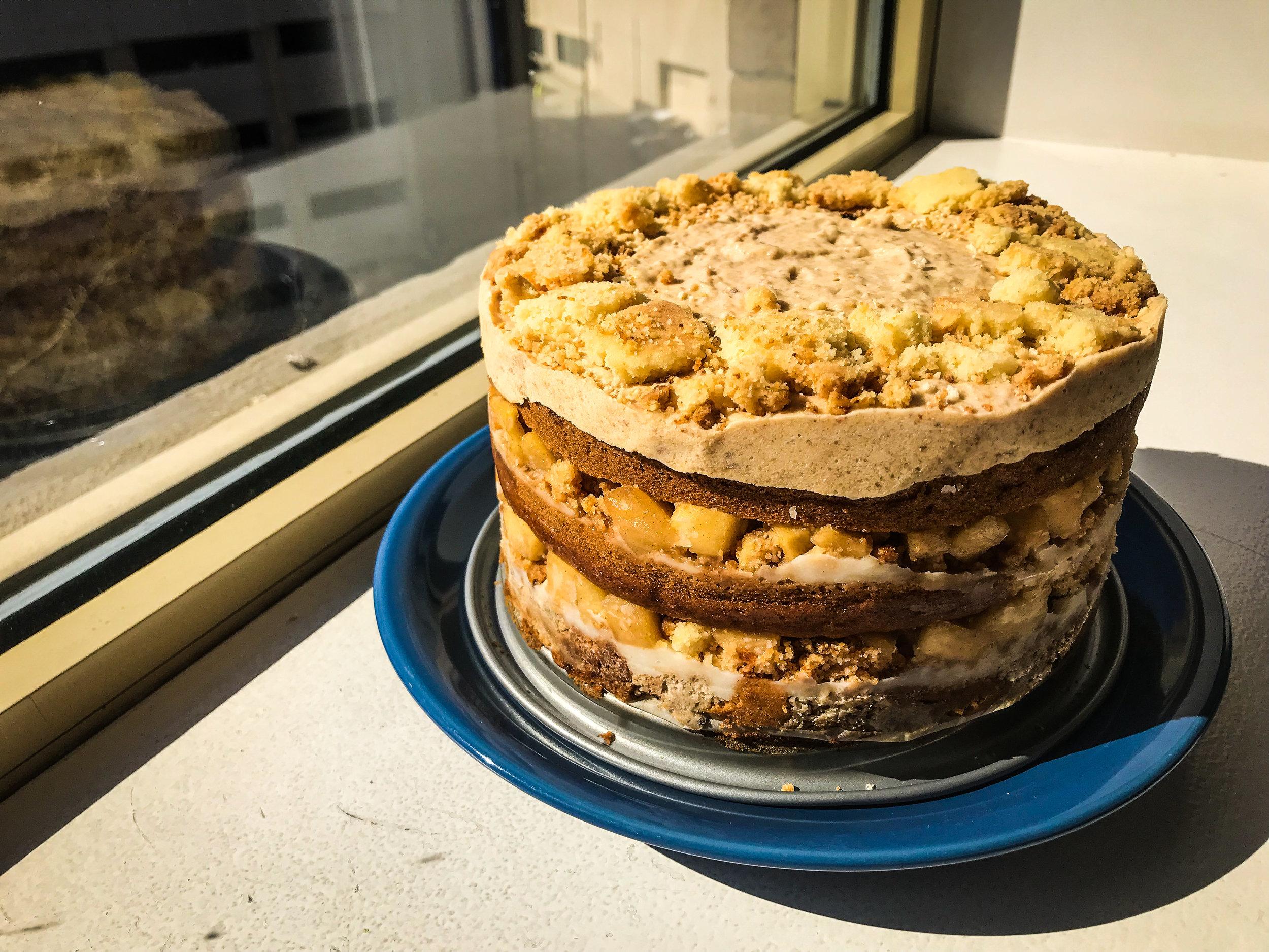 APPLE PIE LAYER CAKE - #SIAintheKitchen