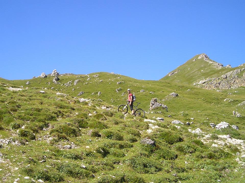 mountain-bike-55362_960_720.jpg