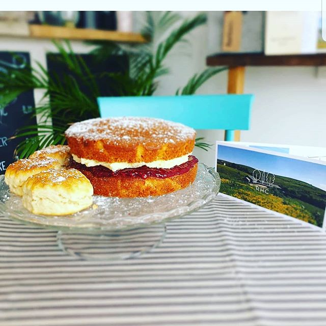 Got that Friday feeling🌿🌞🍰 We've baked up a treat for you this weekend, why not stop buy and taste our fresh Lemon and Raspberry cake with fresh buttercream made buy our very own HayShed team.🍰☕🍋 #visitlancashire #HayShed #RHC #Glampingnotcamping #loveglamping #homefromhome #holidayextras #escapetothecountry #haveyourcakeandeatit #loveyourstay