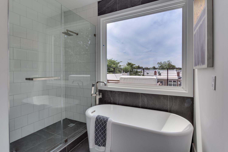 31 Michigan Ave NE Washington-large-048-51-Bathroom-1500x1000-72dpi.jpg