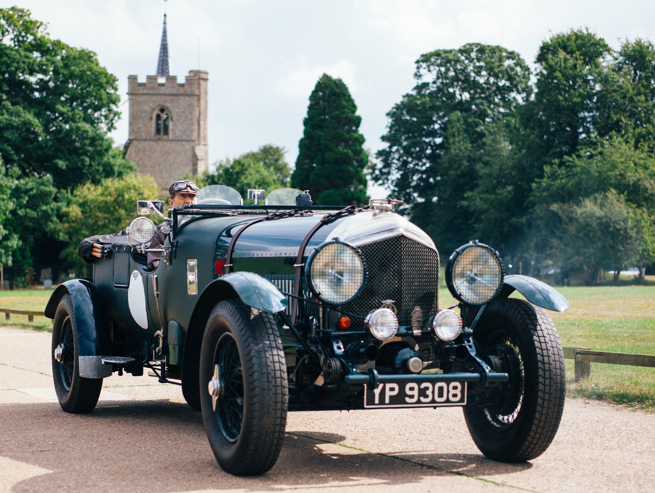 automobile-car-classic-175690.jpg