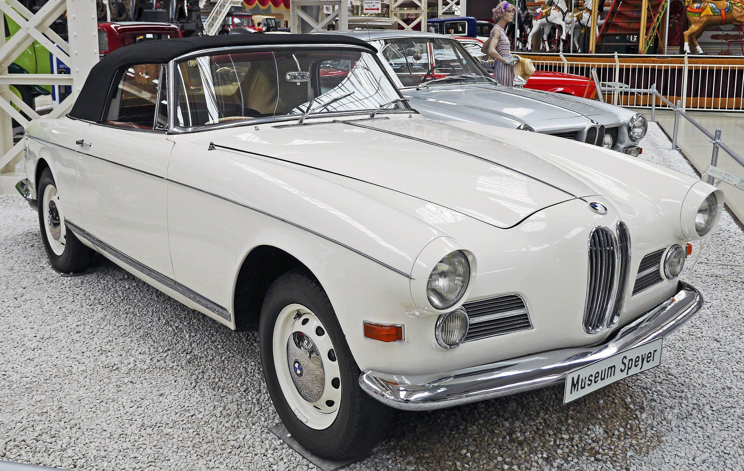 automobiles-automotive-car-show-208561.jpg