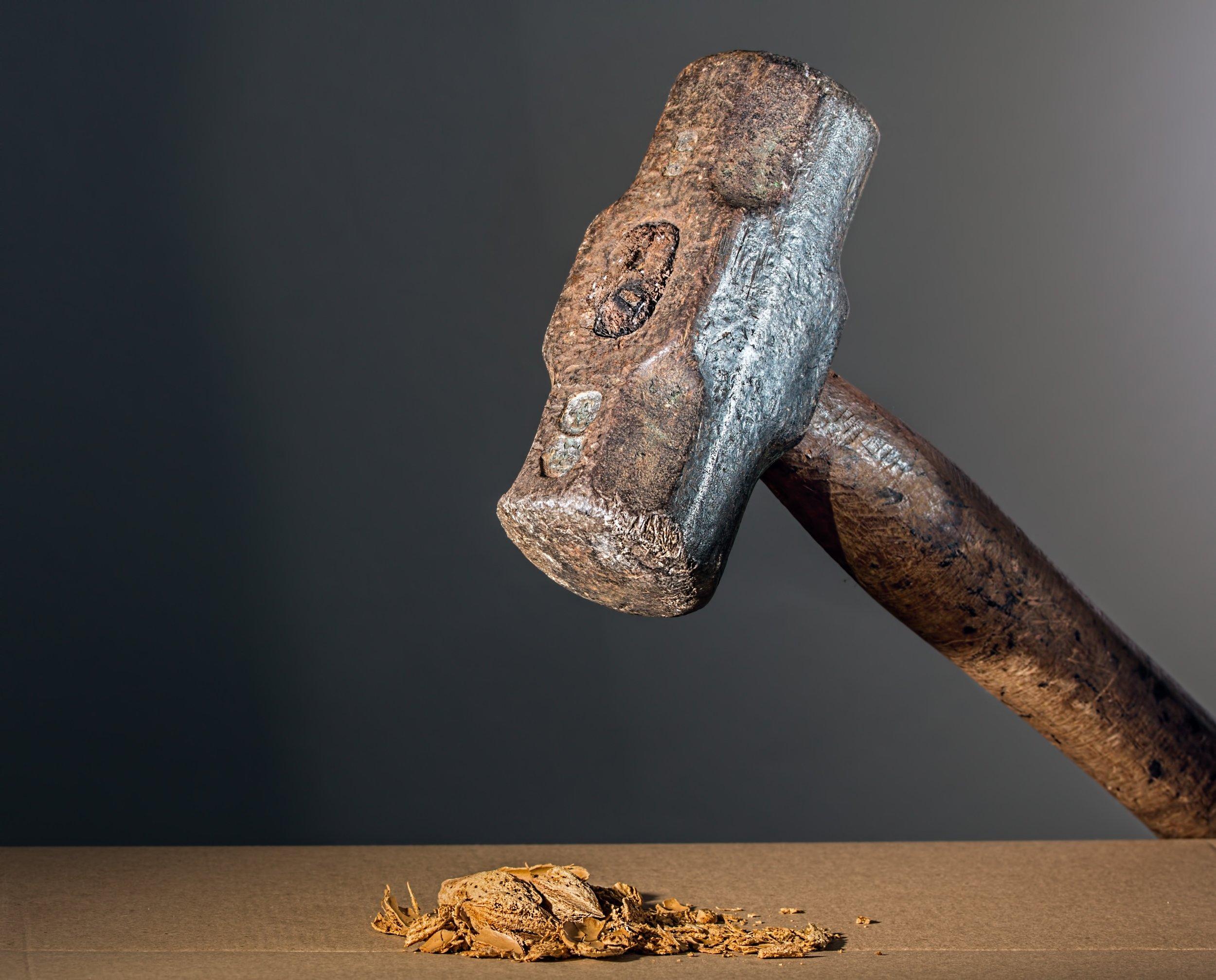 hammer-682767.jpg