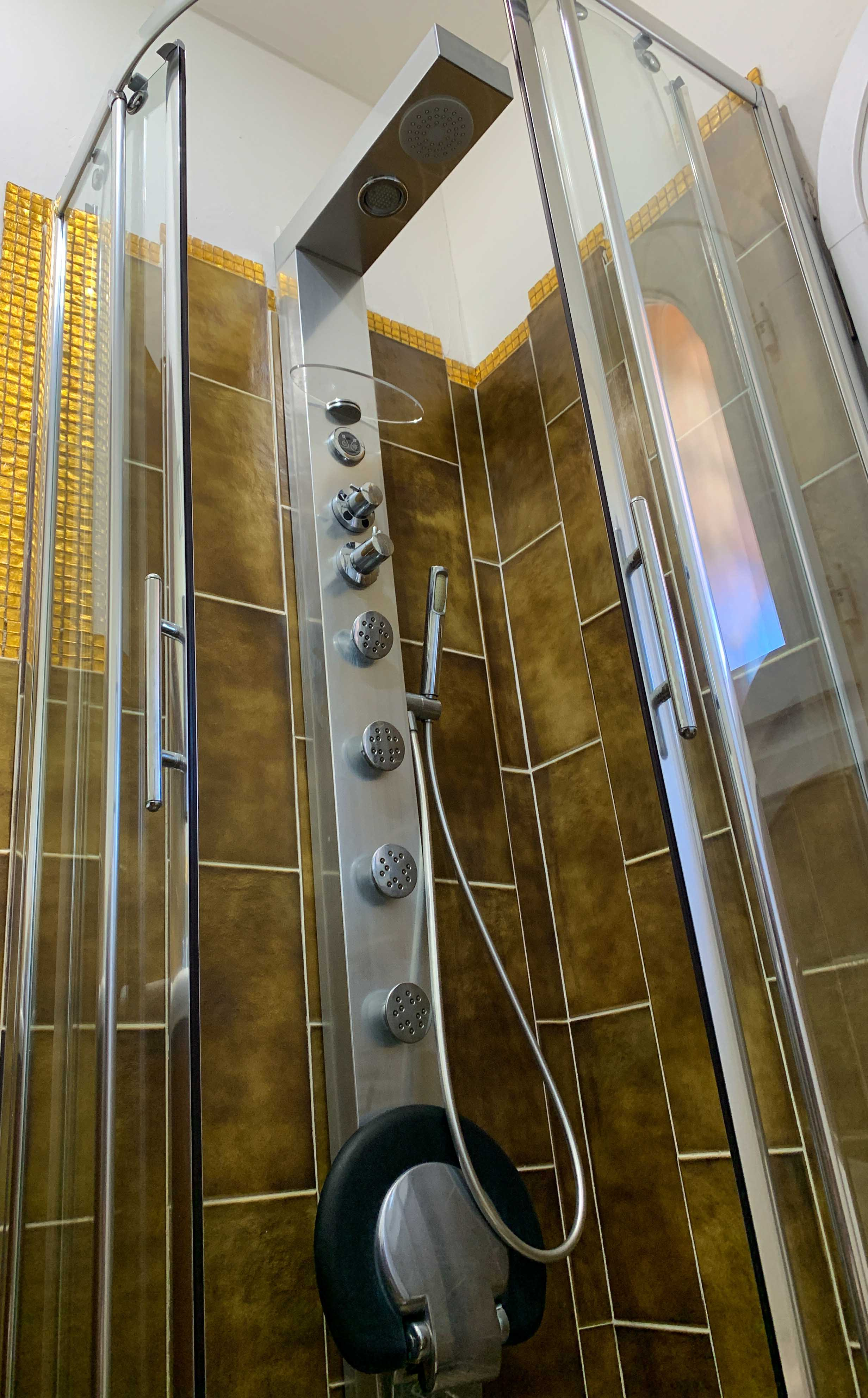 Bathroom 2 - full-optional, hydromassage shower