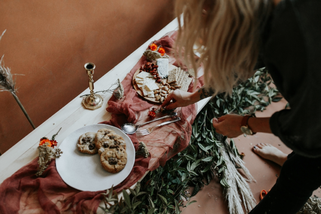 Live Botanical Fall Tablescape Content Creation 22