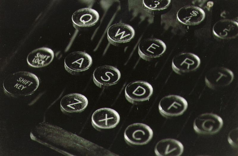 old-typewriter-keys-1.jpg