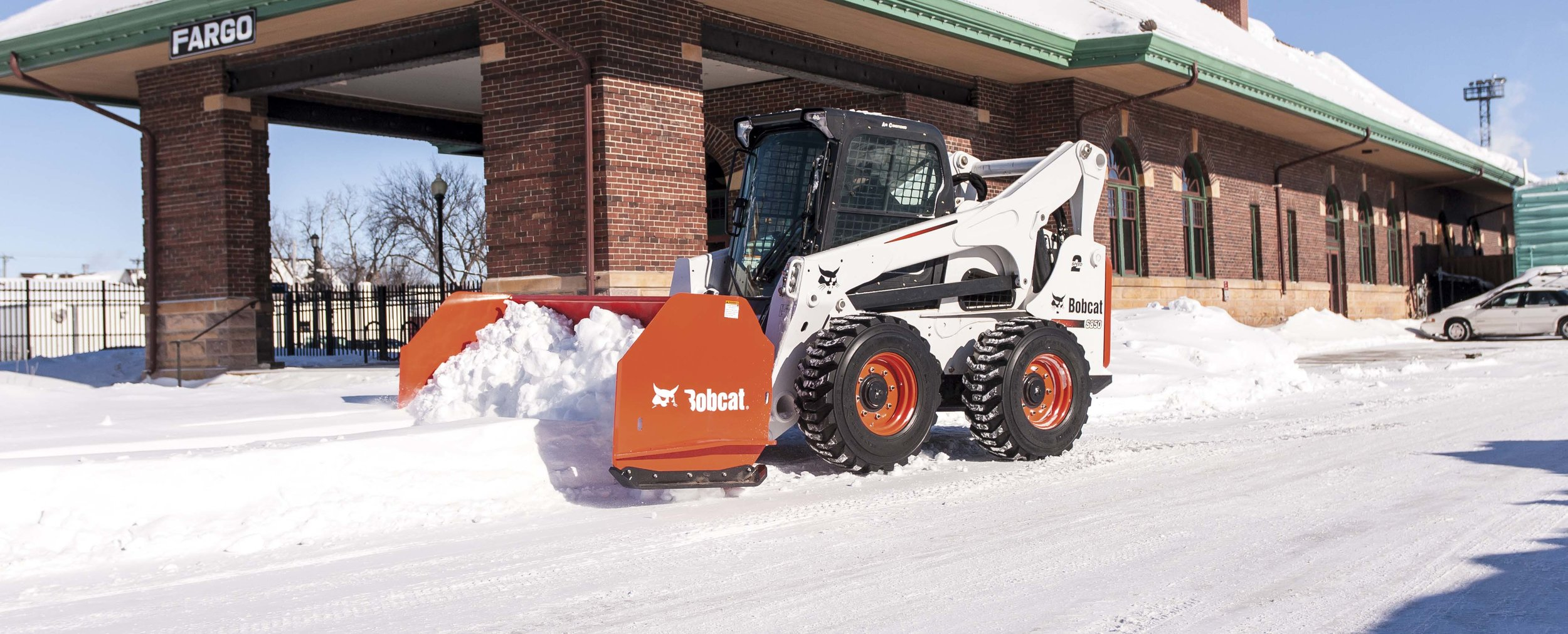 S850_with_Snow_Pusher-209271-128798-hr.jpeg