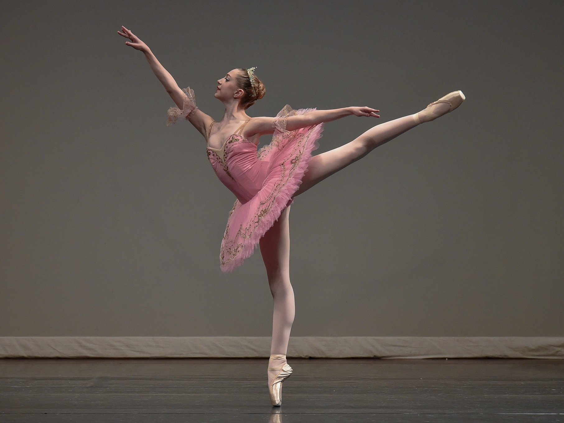 Lucy Hassmann was recognized as the Youth America Grand Prix Winner at the YAGP Chicago Regional Competition in 2018. Lucy was also the first female dancer from San Antonio to be invited to represent the United States in the International Ballet Competition USA in Jackson Mississippi in June 2018. Lucy was also personally invited, along with DCSA dancer Mackenzie Kirsch to compete in the Vaganova Prix 2018.