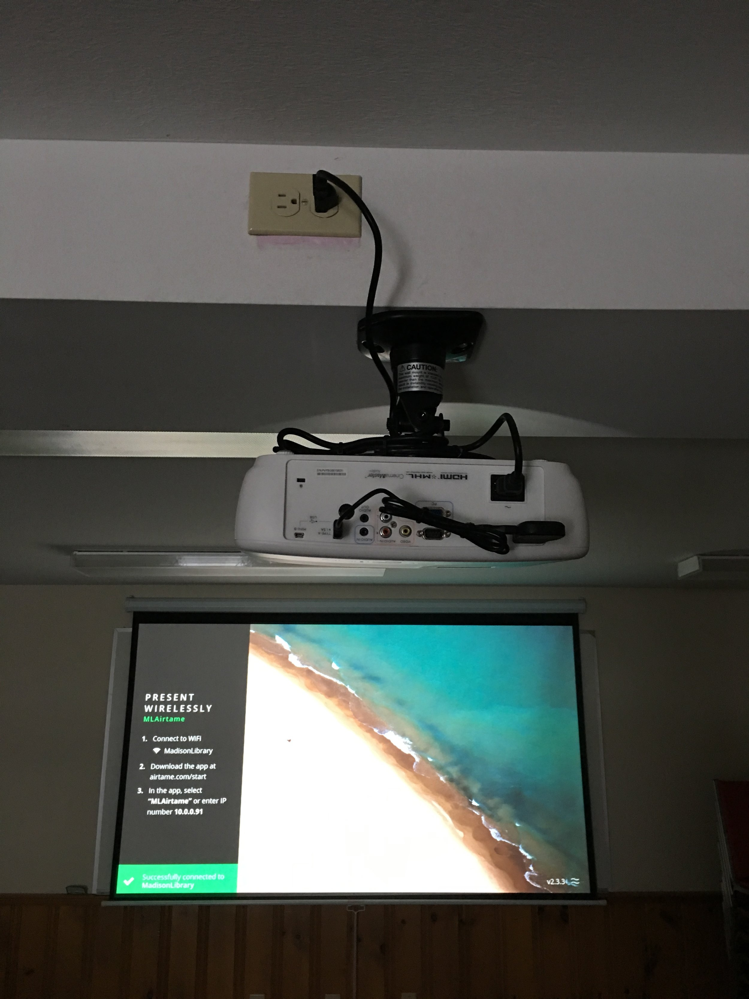 Projector Presentation Screen