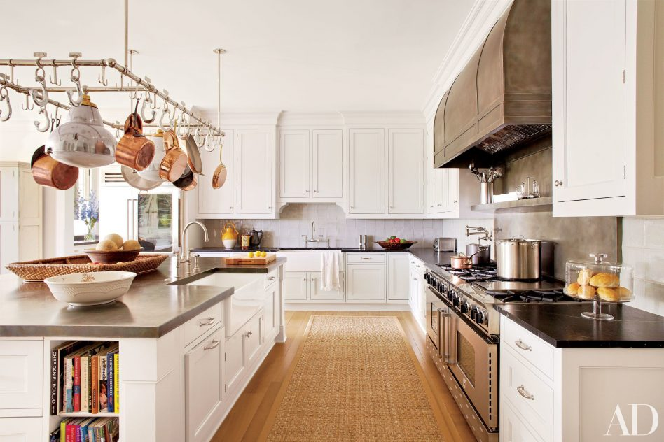 parts-oftchen-cabinets-white-and-gray-walls-cabinet-walls_kitchen-hardware-knobs-pulls_backsplash-ideas-french-country-948x632.jpg