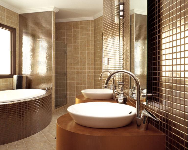 designer-bathroom-designs-cool-interior-designs-bathrooms--768x614.jpg