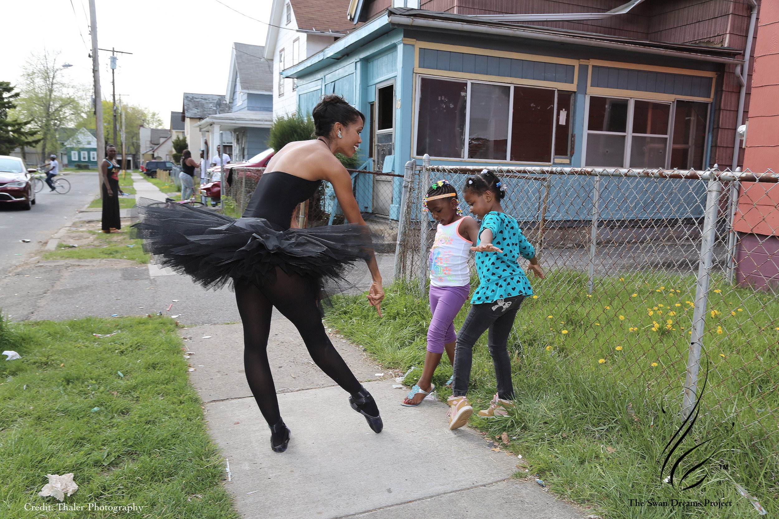 A fellow Upstate NY-er, dancing her way into the lives of little dreamers everywhere.