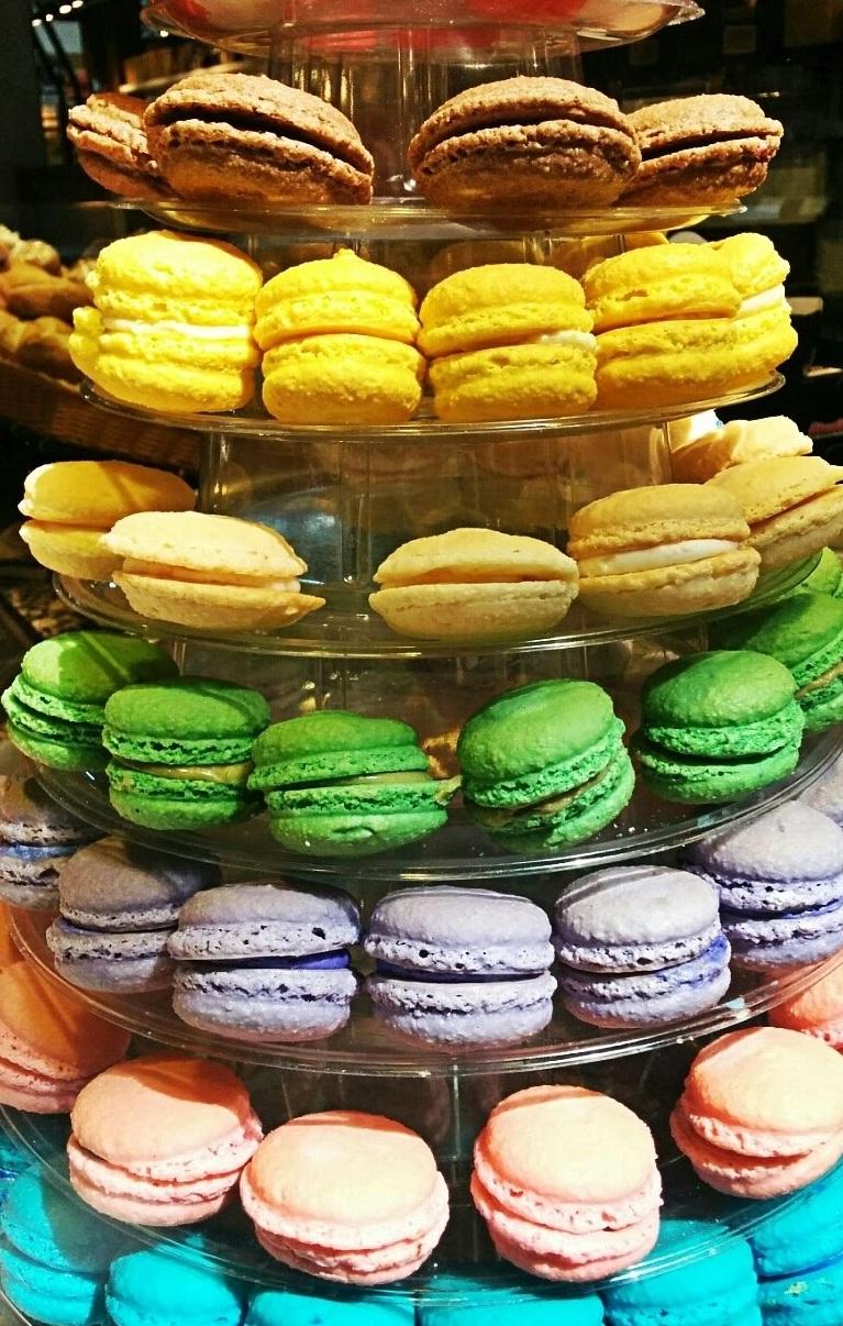 Rainbow+Macaron.jpg