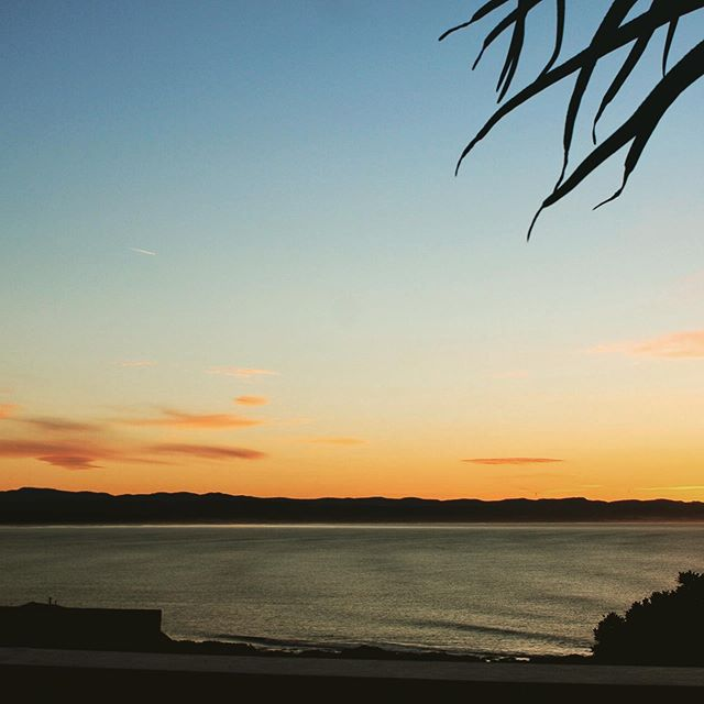 Little sequence of the day from jbay 😍 #jbay #jeffreysbay #sunrise #winterinafrica #happyfourth