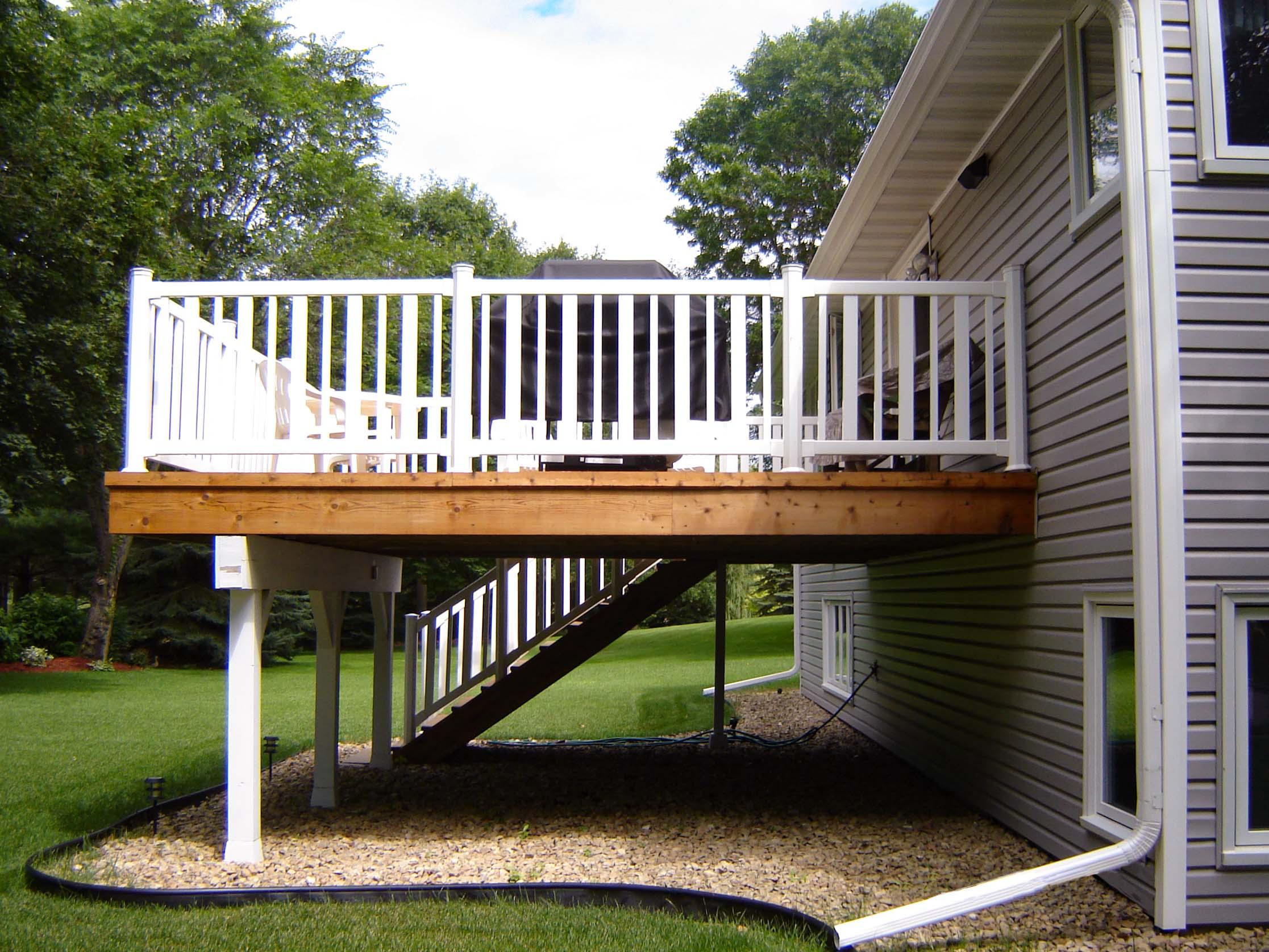 10052 Higview_balcony.jpg