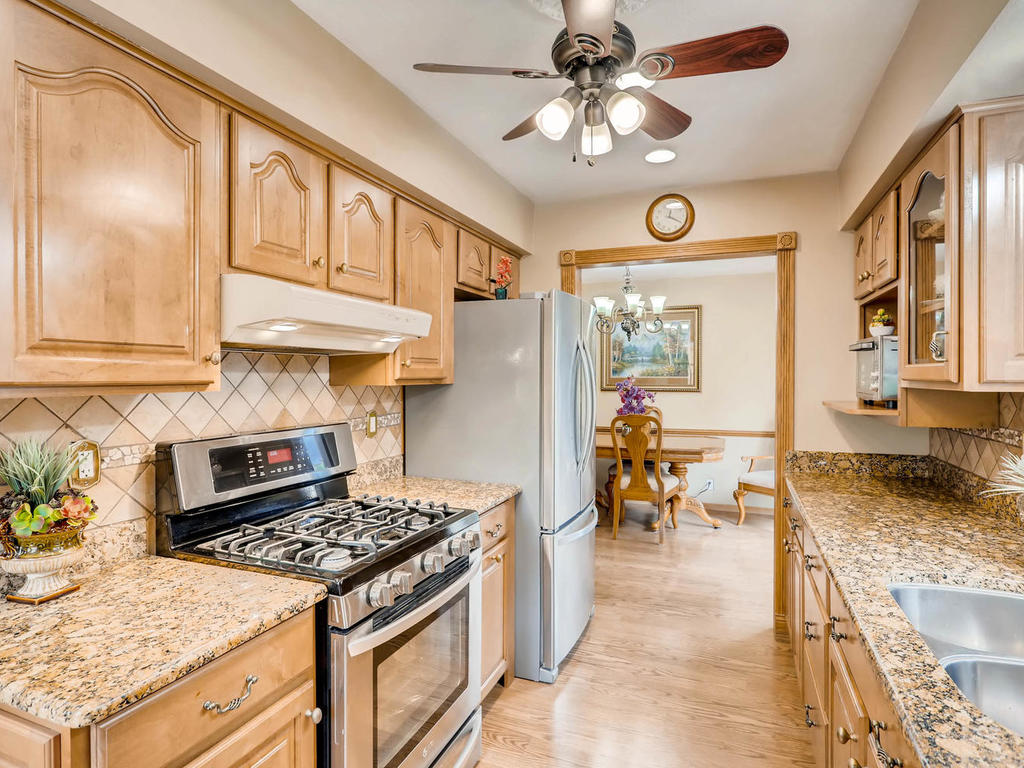 4632 Sumter Ave N New Hope MN-010-17-Kitchen-MLS_Size.jpg