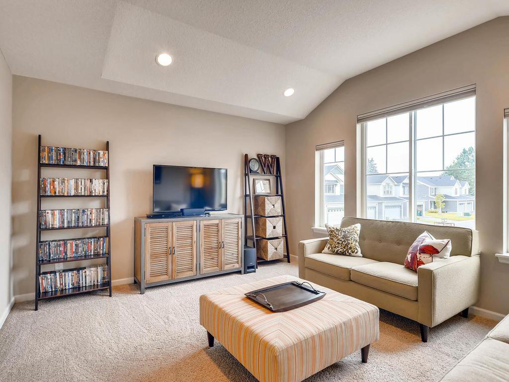 3424 124th Ln NE Blaine MN-022-9-2nd Floor Family Room-MLS_Size.jpg