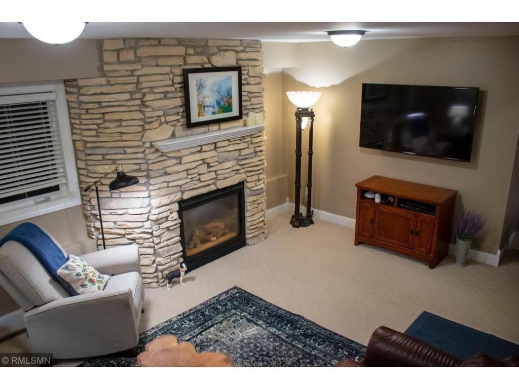 Jaguar_int fireplace.jpeg