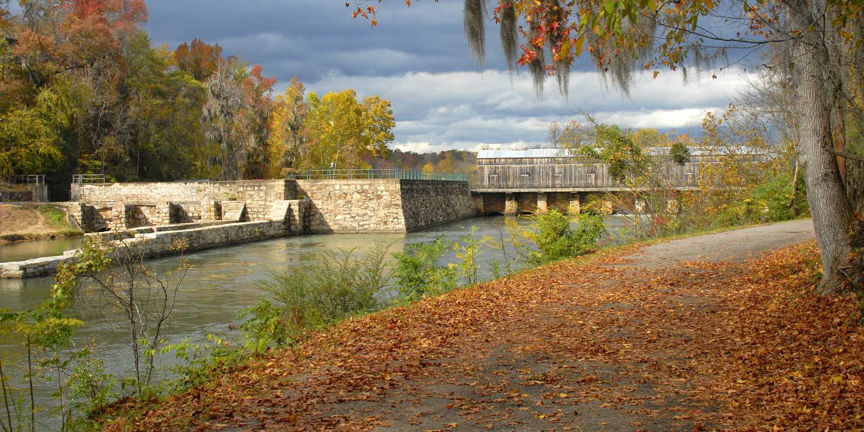 Augusta_Canal_Headgate_Locks_Autumn_view_Credit_Reggie_Fraser_b0e63dd9-5325-42d8-8f35-0668cee62570.jpg