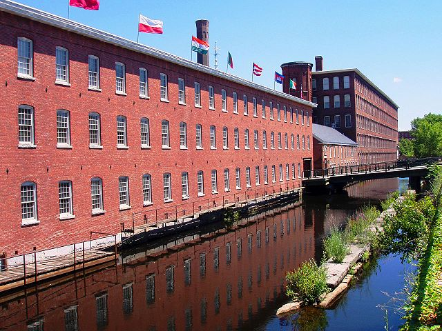 640px-Mill_Building_(now_museum),_Lowell,_Massachusetts.jpg