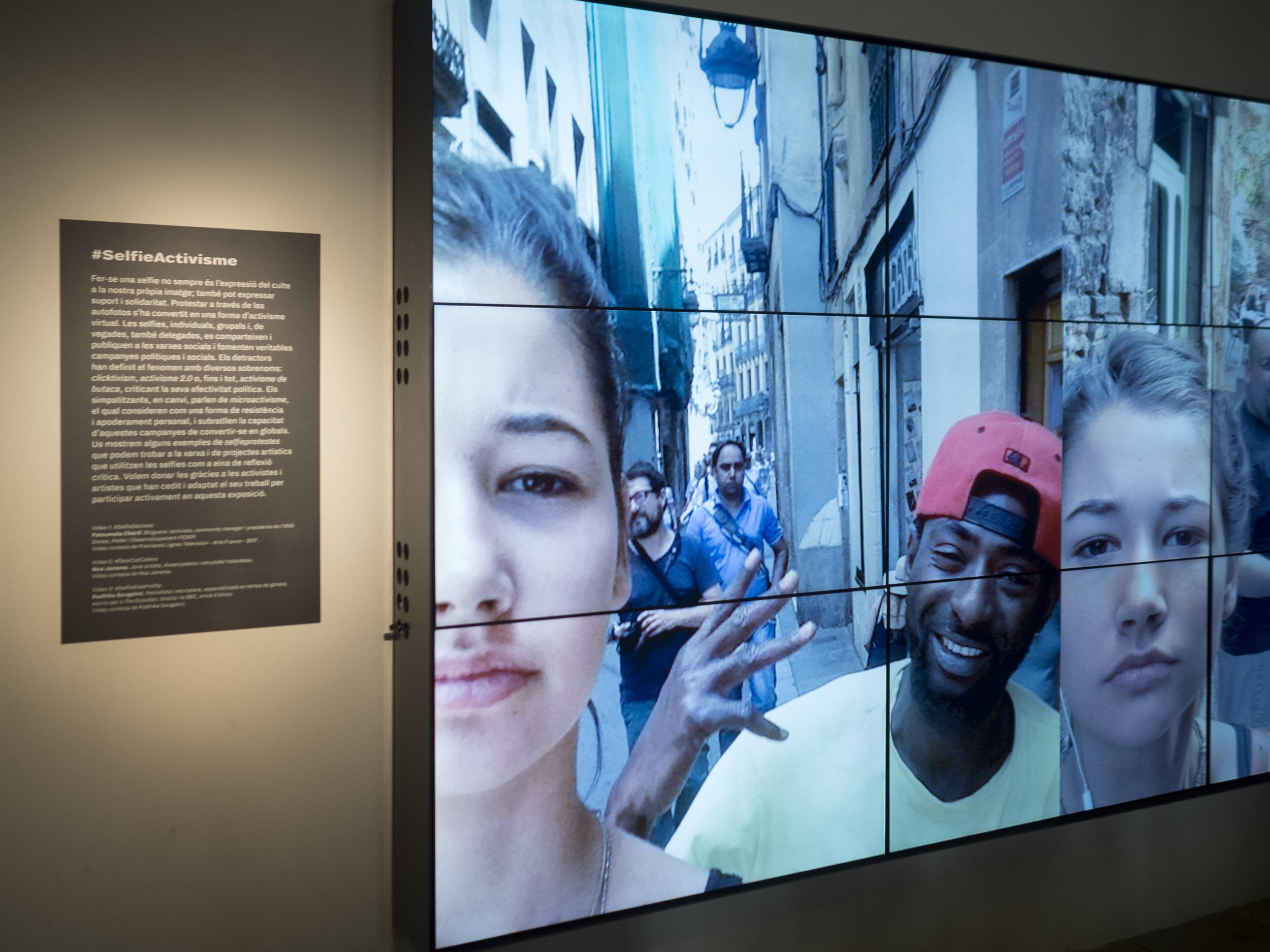 Selfie exhibition barcelona.jpg