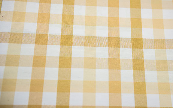 "FRESH   #18            52%COTTON/48%POLY   WASHABLE,            54""  OR 108"" WIDE    TABLECLOTH          MADE IN ITALY"