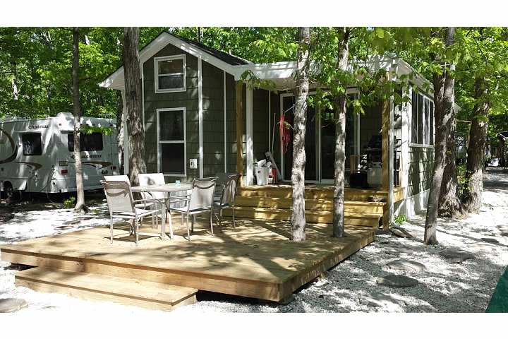 terri feralio - vacation cottage back yard after.jpg