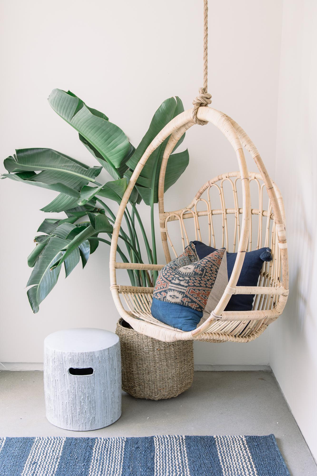 furnitur kayu ayunan