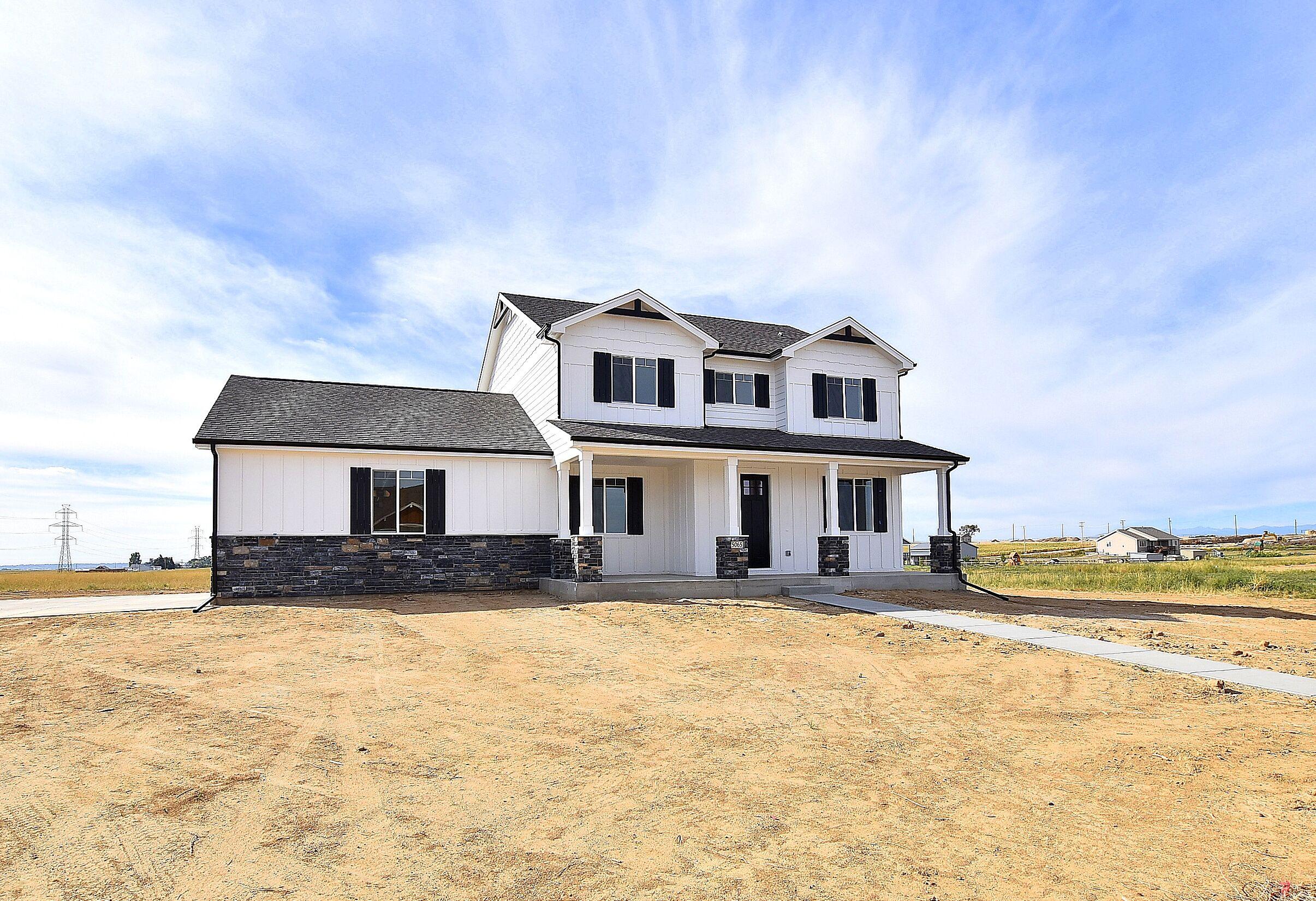 5065 Prairie Lark - Exterior.jpg