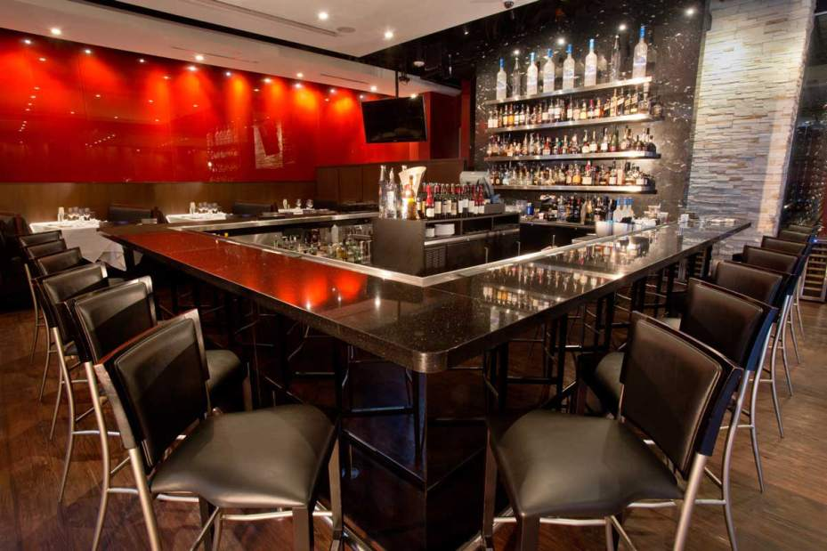 RED THE STEAKHOUSE BAR by Joanne Harrop/Pittsburgh Tribune