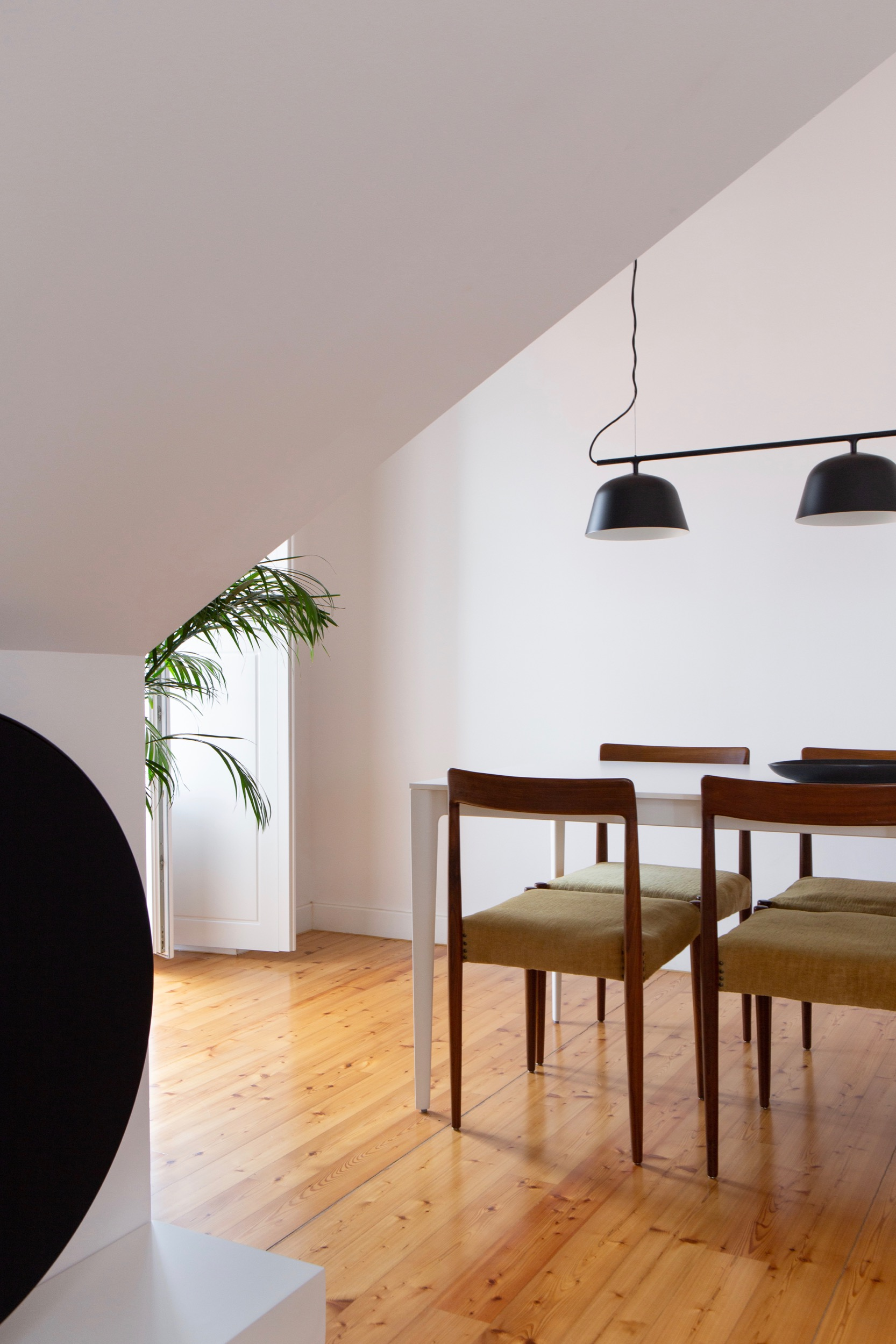 Photo of Lola Cwikowski Studio residential project showing B&O Beoplay A9 speaker,