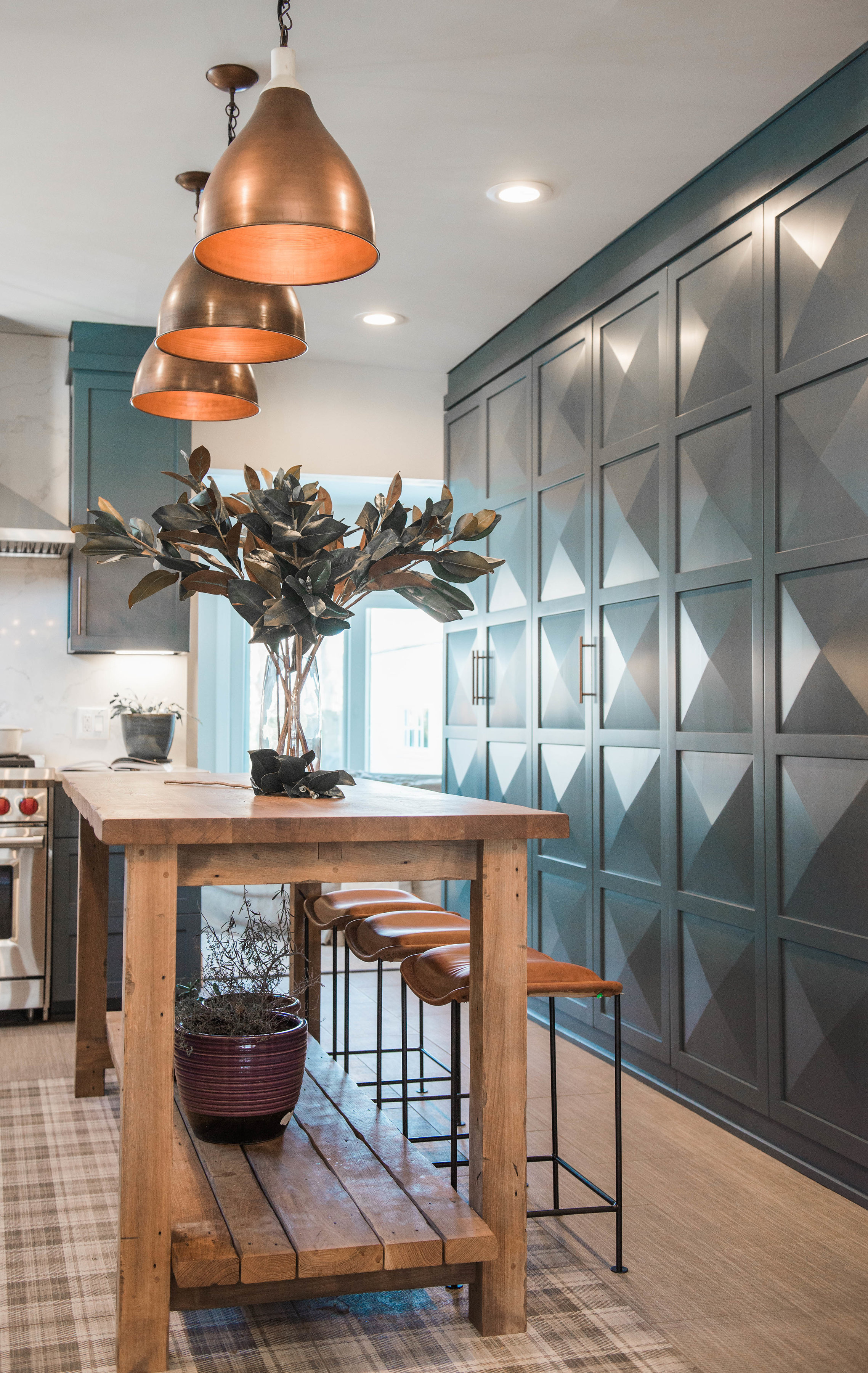 green-kitchen-cabinets-diamond-door.jpg
