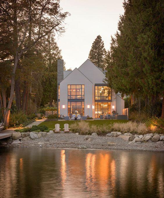 exterior modern lake house.jpg