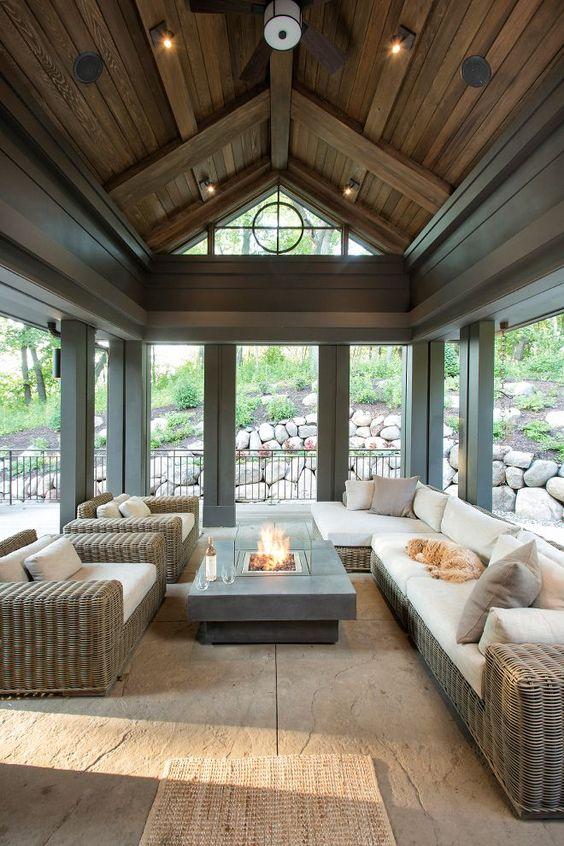 modern-lake-house-interior