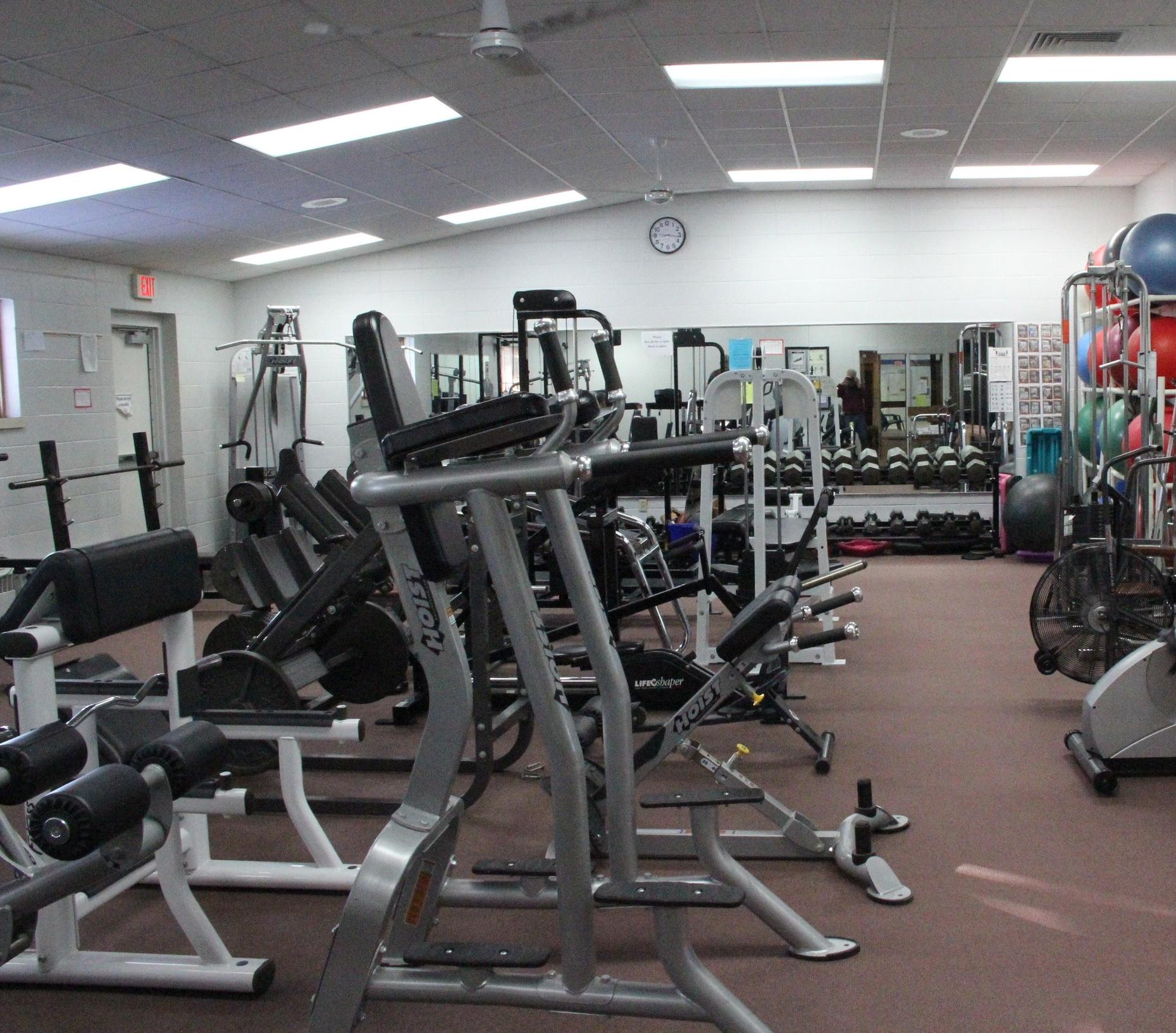 Mosling_Recreation_Center_Weight_Room.JPG