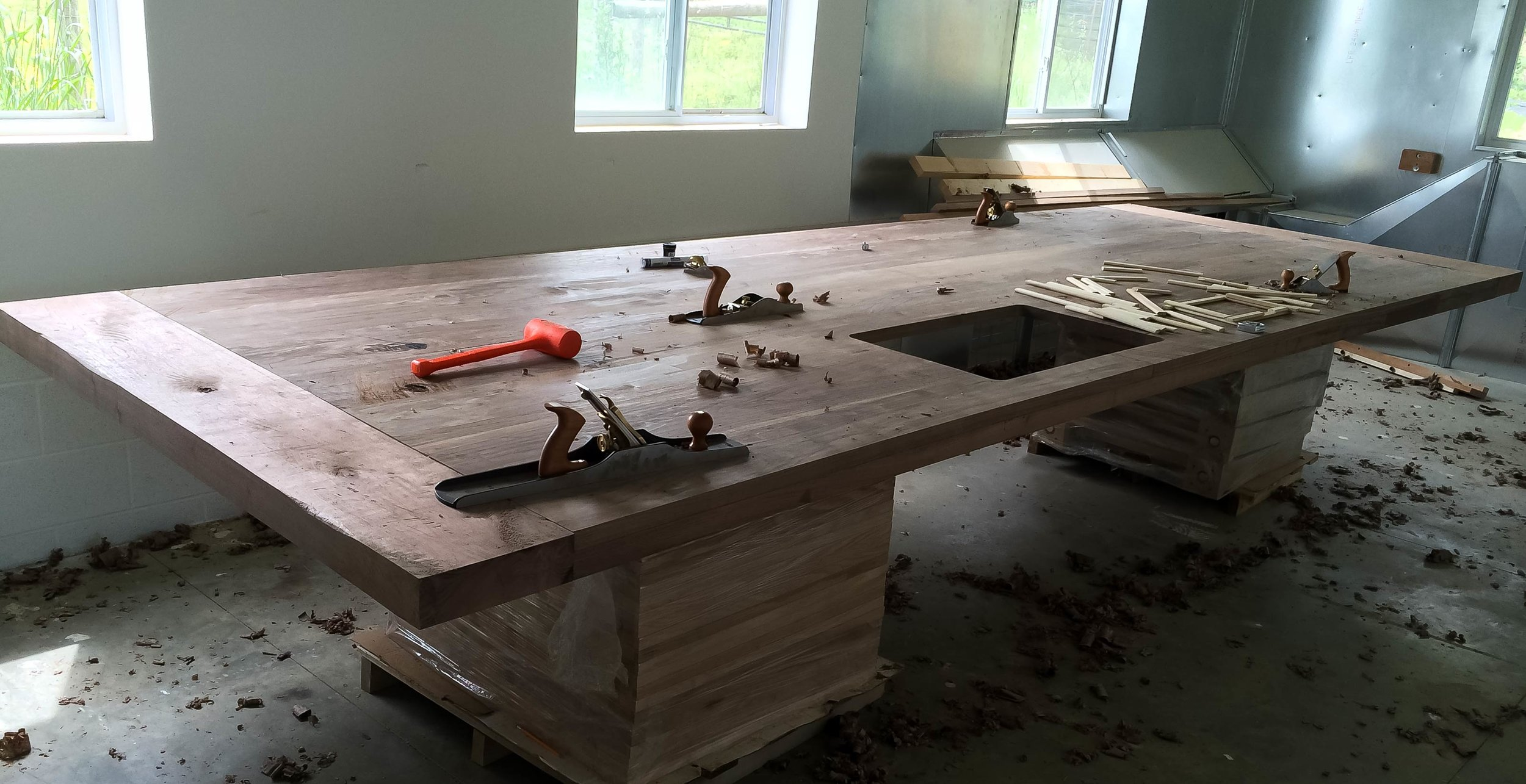 How We Build — Amish Furniture Gallery