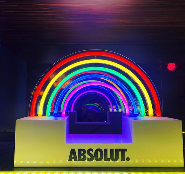 Neon and rainbows make everything better!  #oxfordhotel #dodarlo #taylorsquare