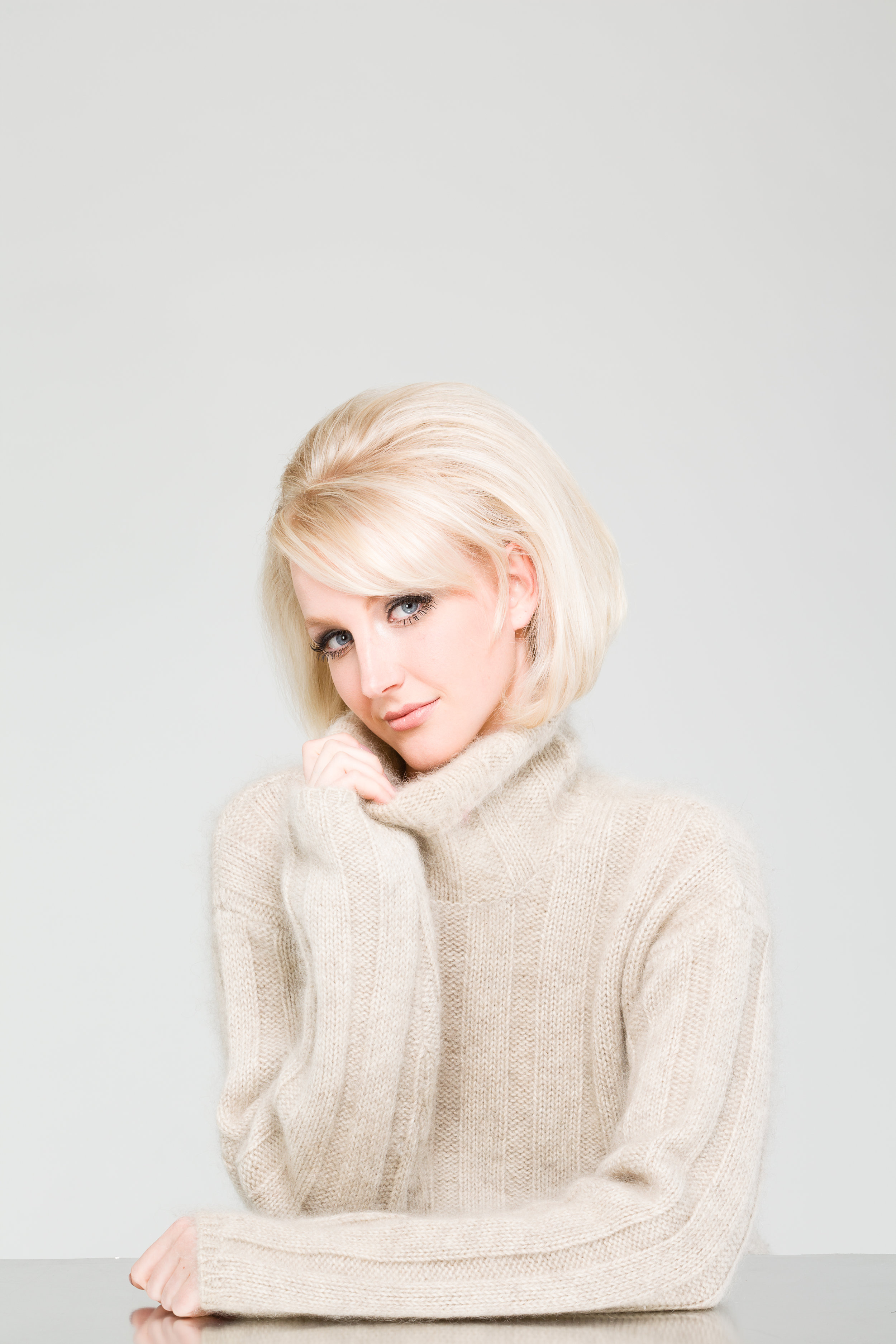 07 editorial, 60s hair, vintage, vintage hair, blonde hair, platinum hair.jpg