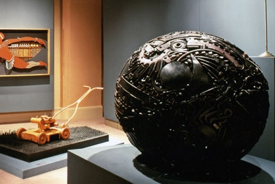 MUSEUMS & COLLECTIONS -