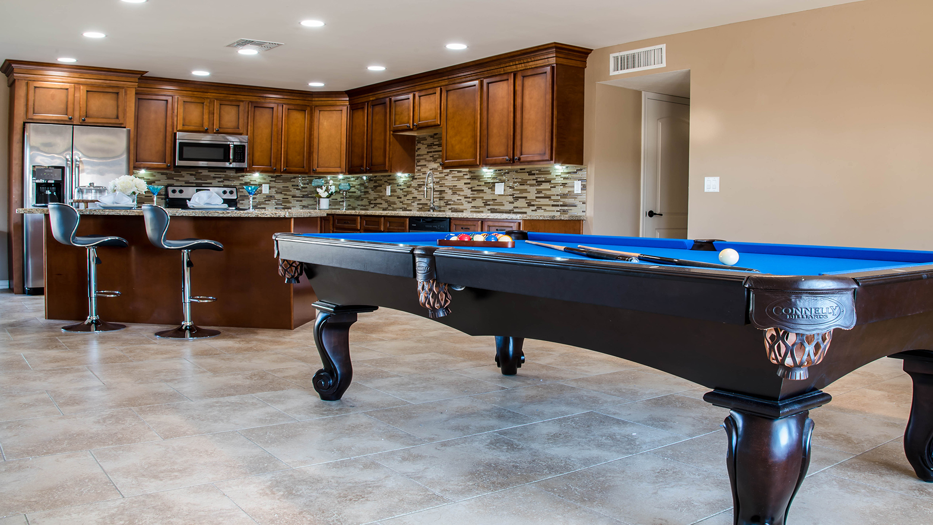 poolkitchen (1).jpg