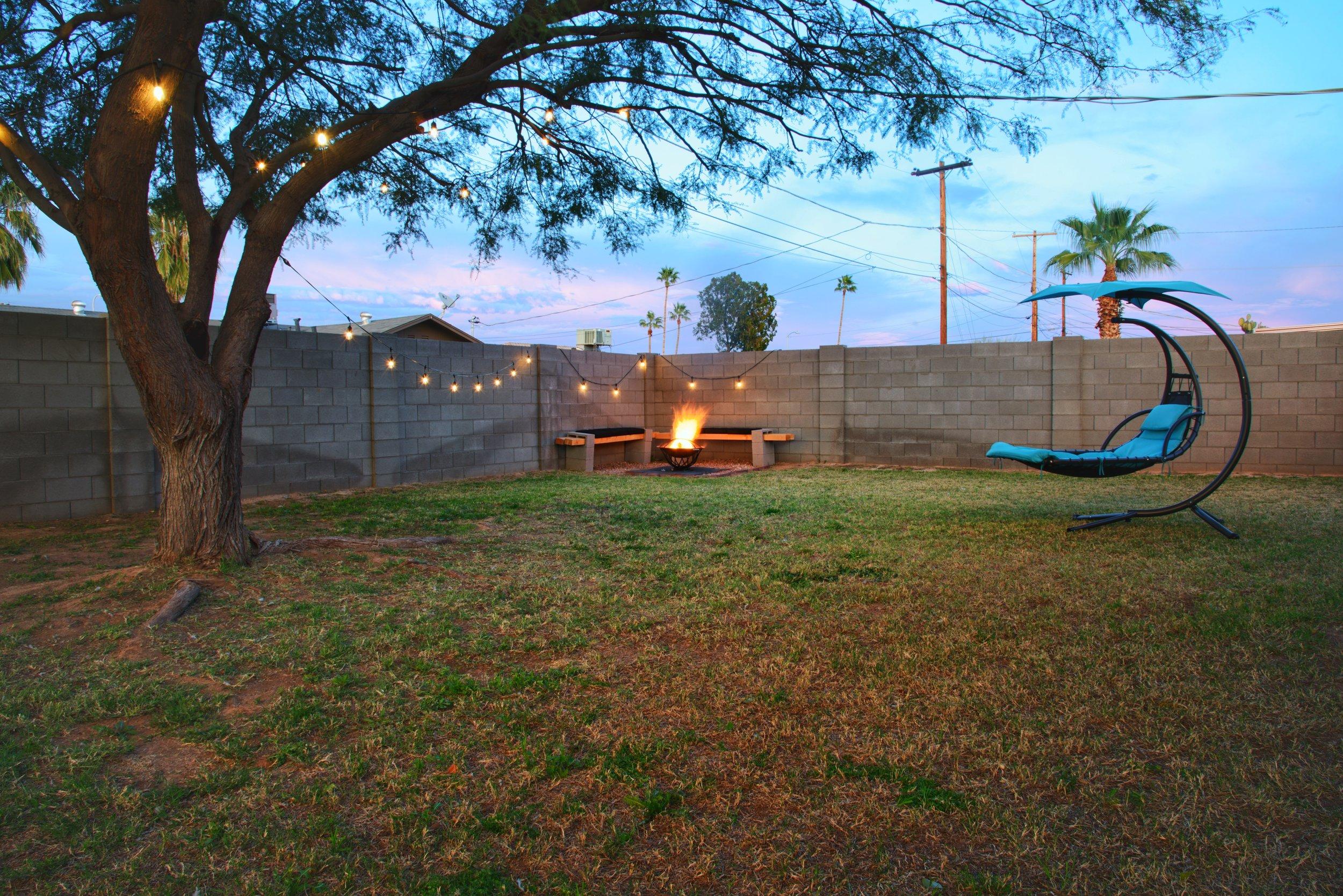 7318 Backyard.jpg