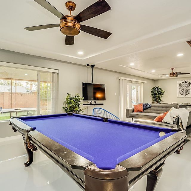 NEWEST AIRBNB ADDED! Designed by @scottsdalehouses OLD TOWN SCOTTSDALE - Putting Green - Sleeps 16+ #airbnb #vrbo #vacation #vacationmode #travellife #realtor #invest #airbnb #passionpassport #lovetotravel #modernlife #travelblogger #travelingram #travelling #traveltheworld #unique #travelpics #expedition #travel #workandtravel #explore #nature #travellife #roamtheplanet #welltravelled #travelholic #scottsdale #oldtownscottsdale #fun #bacheloretteparty #bachelorparty