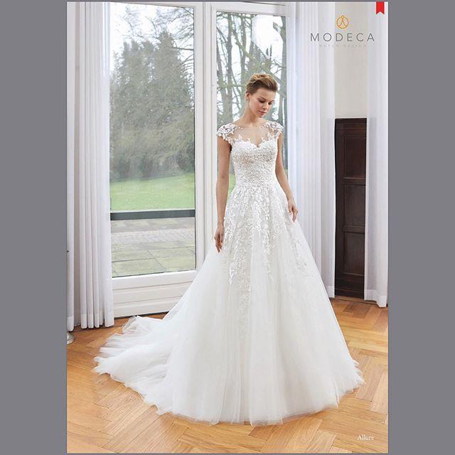 Gorgeous!!! Allure ..... size 8.....sale price :$868 •••••••• (retail :$ 1737)#shoprushbridal #leesvillesc  #lexingtonsc #newberry #aiken #saluda