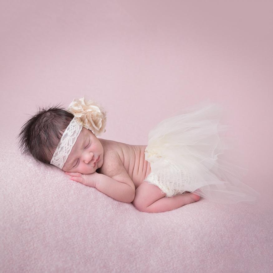Sydney Newborn Photographer-27_Square.jpg
