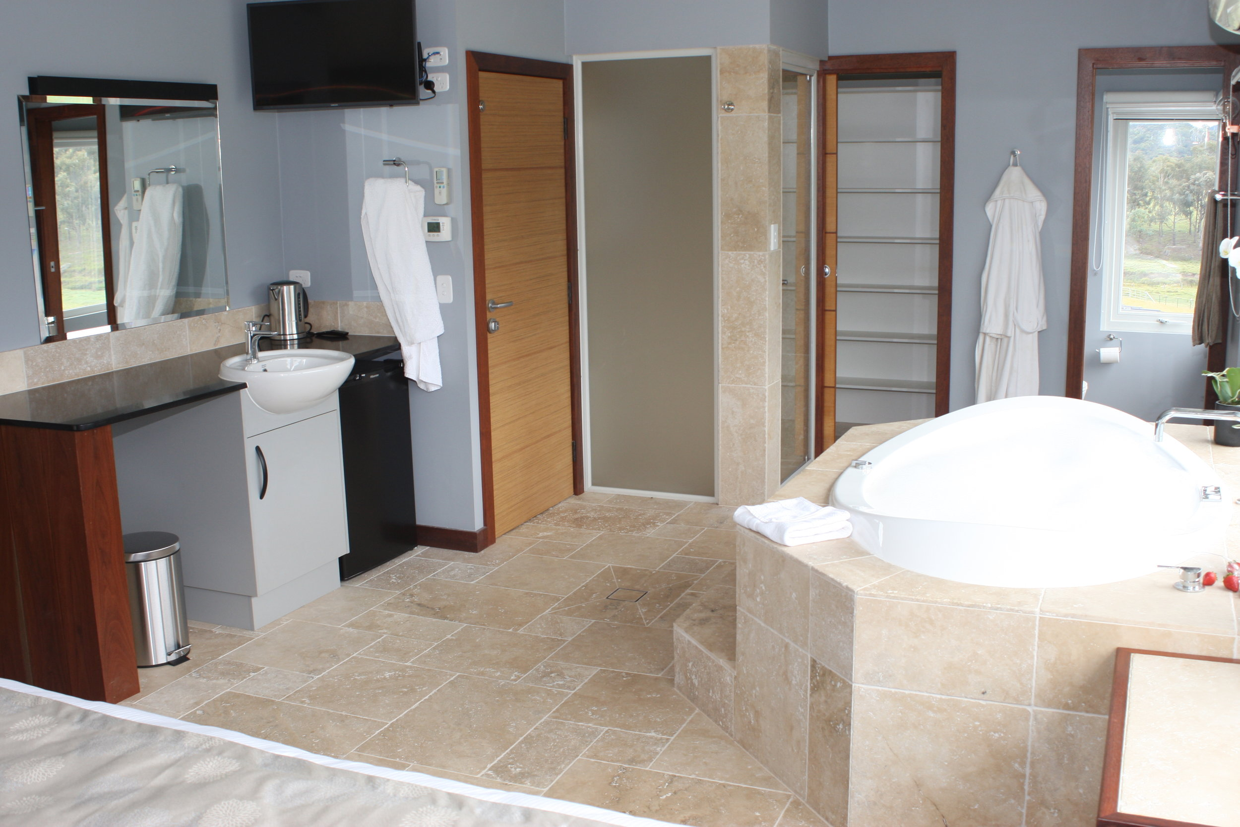Ensuite Shower Wardrobe and Toilet
