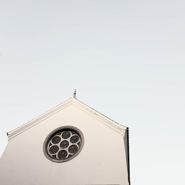 🇪🇸 ⛪ 👌 #ChurchArchitecture #arkiRomantix #icu_Architecture #lookingup_Architecture #rsa_Architecture #architecture_Hunter #architectureDesign #archiLovers #ArchiMinimal #SpainArchitecture