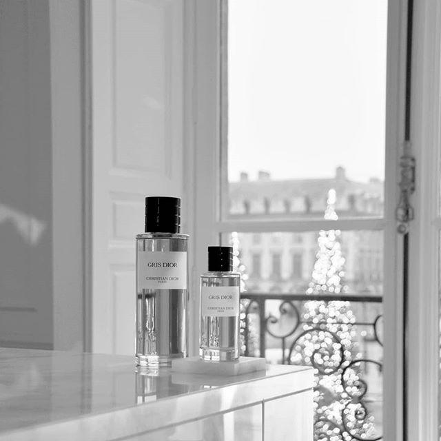 🙏 #MaisonChristianDior @DiorParfums - -  #PerfumeLovers #FragranceLover #ParfumLovers #PlaceVendome #ChicDecor #EclecticDecor #ParisianApartment