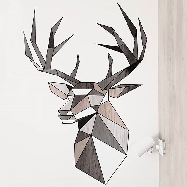 🦌👌 #deer #geometricdesign #designinspiration #designgraphic #roomdecoration #graphicdesign #instaorigami #designboom #origamiart #origamilover #decorationmurale #interiordesign #decorationideas #geometricdrawing #origami #geometricwall #designlovers